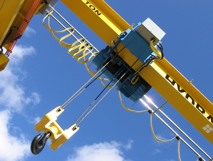 bottom view of outdoor hoist