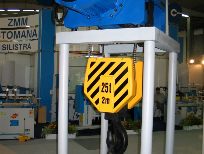 25 tonne hoist at exhibition